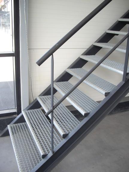 escaliers industriels art m tal concept quimper. Black Bedroom Furniture Sets. Home Design Ideas