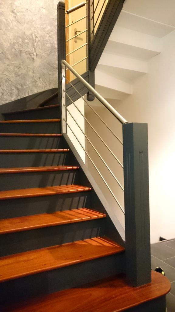 relooker rampe escalier bois moderniser rampe escalier bois yj35 jornalagora rampe escalier. Black Bedroom Furniture Sets. Home Design Ideas