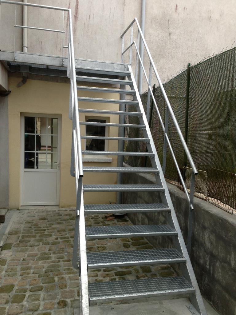 Escalier industriel art m tal concept quimper - Escalier metallique exterieur industriel ...