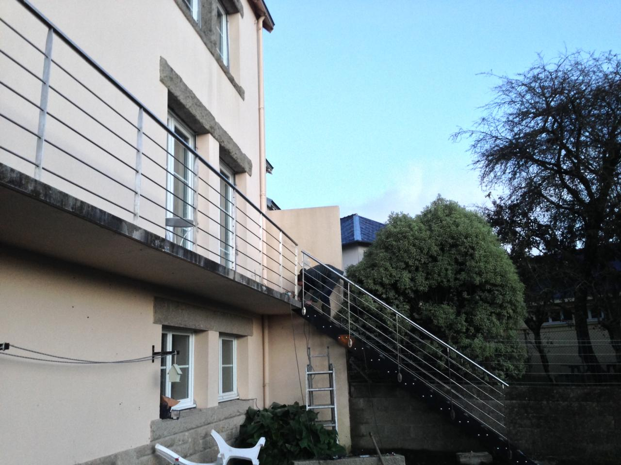 Garde-corps en inox pour balcon extérieur - Art Métal Concept
