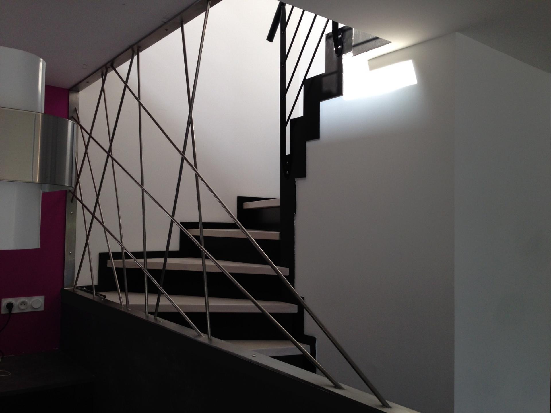 Escaliers m talliques contemporains art m tal concept quimper - Escalier cable acier ...