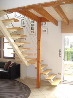 Escalier quart-tournant sur limon central - Art Métal Concept