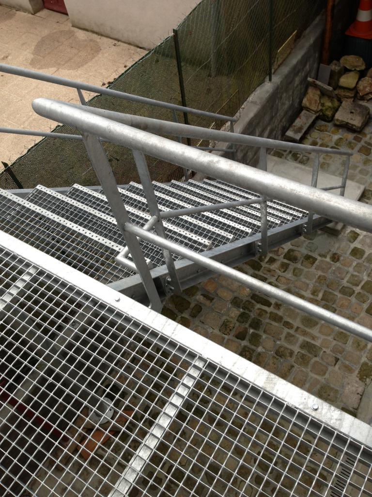 Escalier métallique industriel - Art Métal Concept
