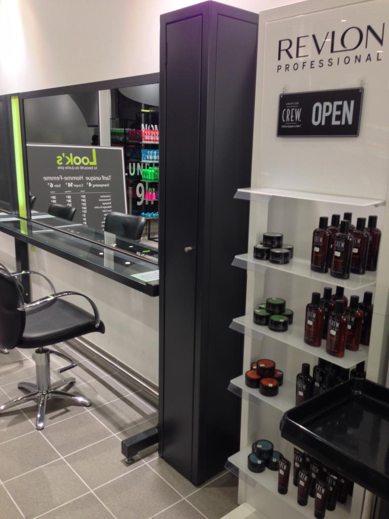 Meubles pour salon de coiffure : placard à balais