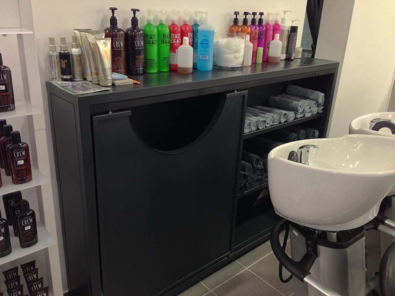Meubles pour salon de coiffure : placard de rangement de serviettes