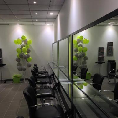 Meubles pour salon de coiffure : coiffeuse - miroir éclairé